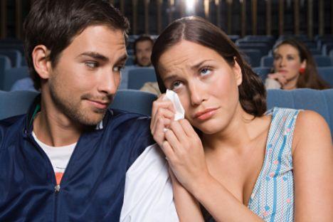 Sinemada ağlayabilirsiniz!  • Sinemada gözyaşlarına boğuldunuz diye utanmanıza gerek yok.  • İstatistiklere göre kocanızdan 7 yıl daha uzun yaşayacaksınız.  • Otomobilin lastiğini değiştirmeyi bilmek zorunda değilsiniz.  • Yuvarlak meşin olmadan da hafta sonunun tadını çıkarabiliyorsunuz.   • Ömrünüzün 2 bin 600 saatini tıraş olarak harcamıyorsunuz.